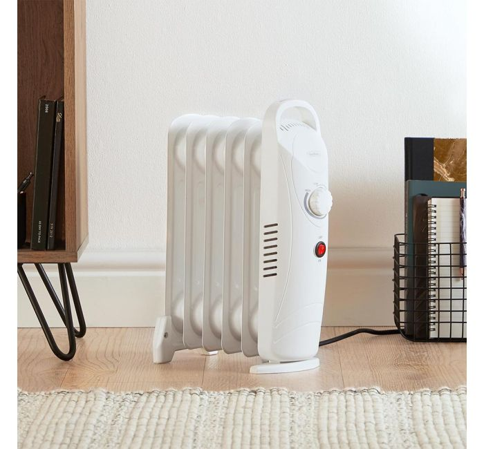 (X34) 1x 6 Fin 800W Oil Filled Radiator - White. Compact yet powerful 800W radiator with 6 oil-fil