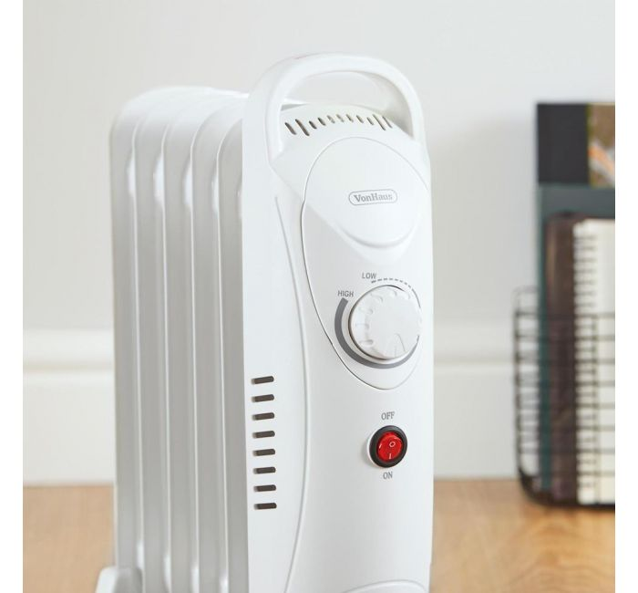 (X34) 1x 6 Fin 800W Oil Filled Radiator - White. Compact yet powerful 800W radiator with 6 oil-fil - Image 4 of 4