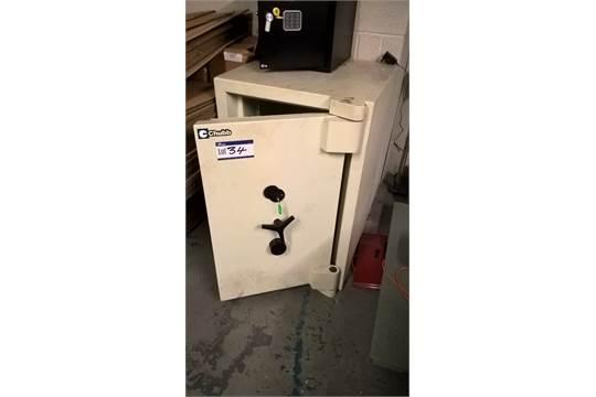 Chubb LPS 1183 Euro Safe 3 Safe, serial no  SMC3 AD1560001