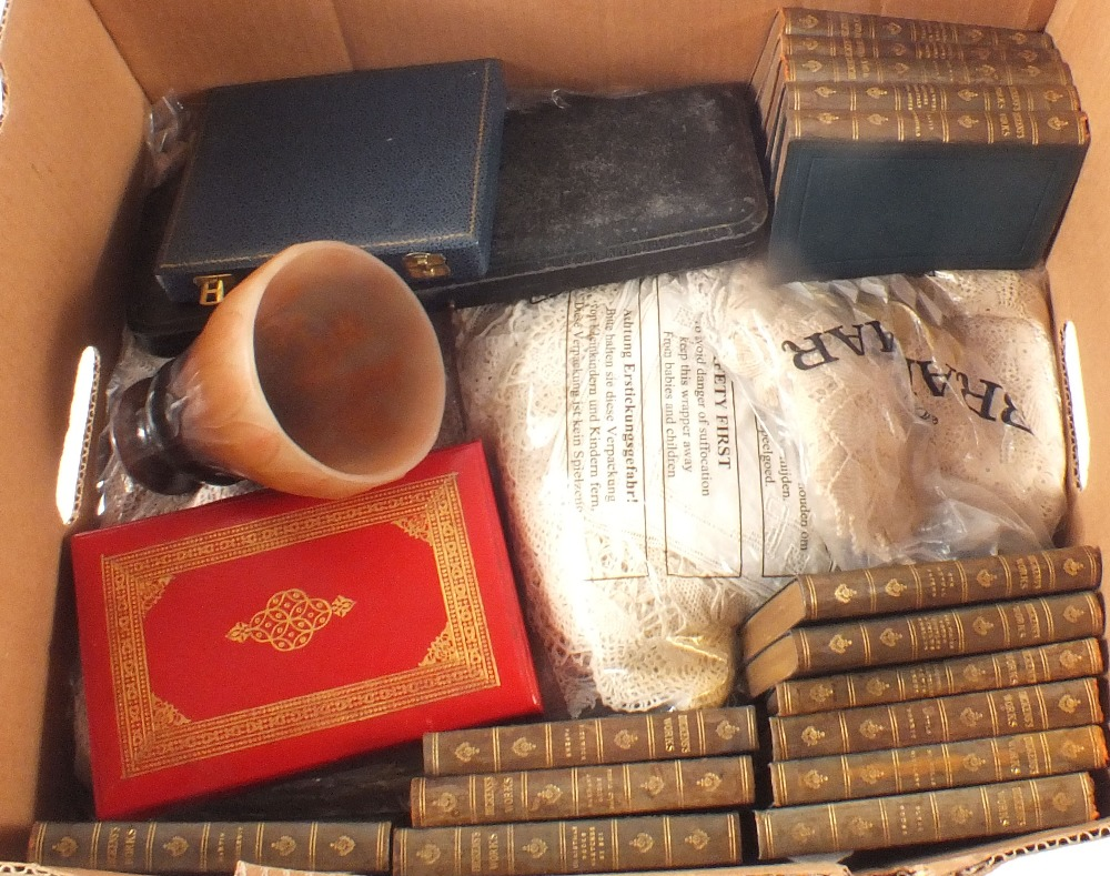 Lot 59 - Various lace items, boxed silver plated cutlery,