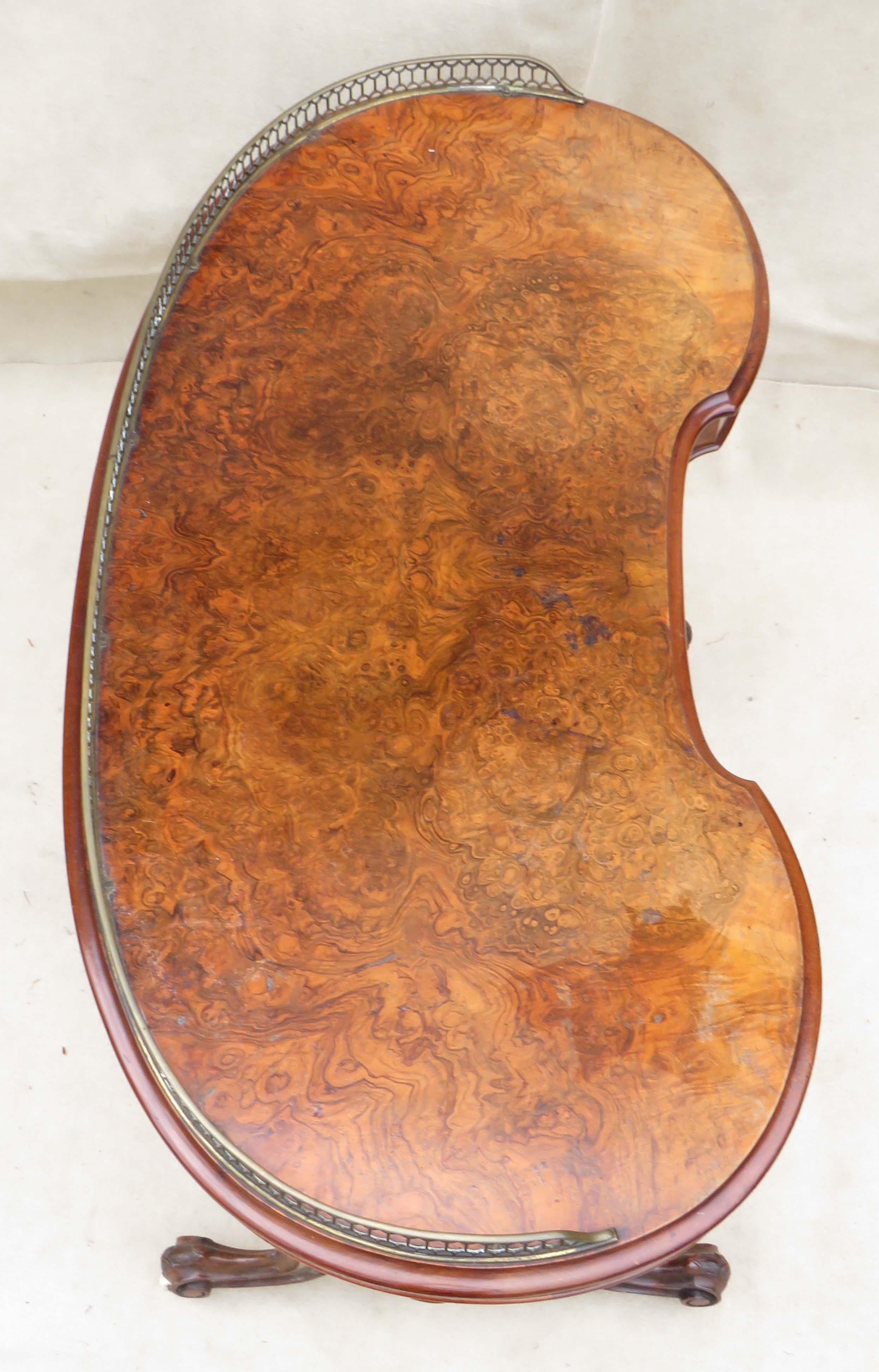 Walnut Kidney Shaped Writing Table, English Mid 19th Century - Image 2 of 8