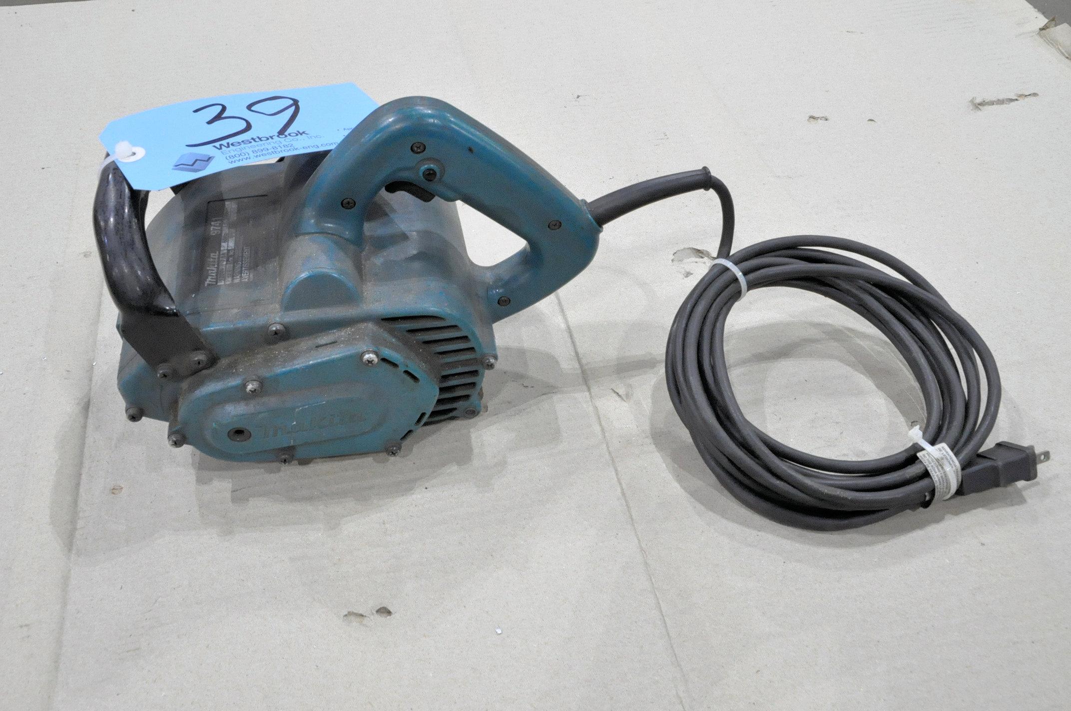 "Makita Model 9741, 4 3/4"" x 4"" Wheel Sander"