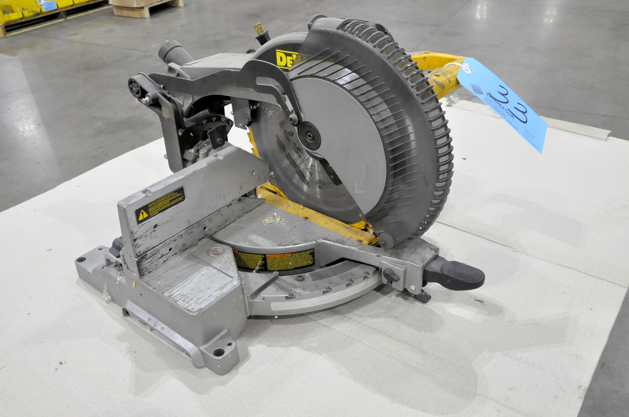 "DeWalt Model DW715, 12"" Compound Power Mitre Saw"