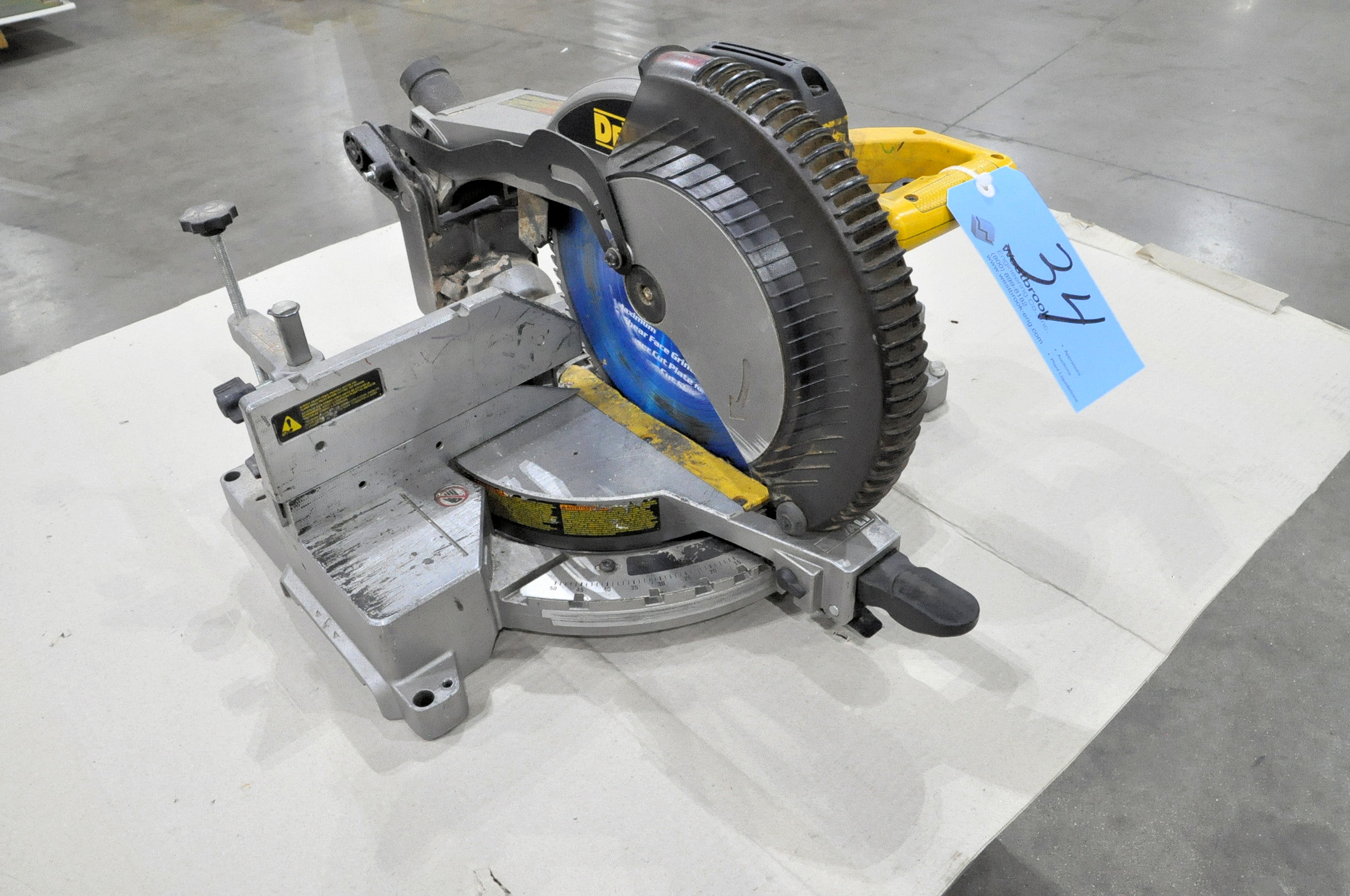 "DeWalt Model DW715, 12"" Compound Power Mitre Saw"