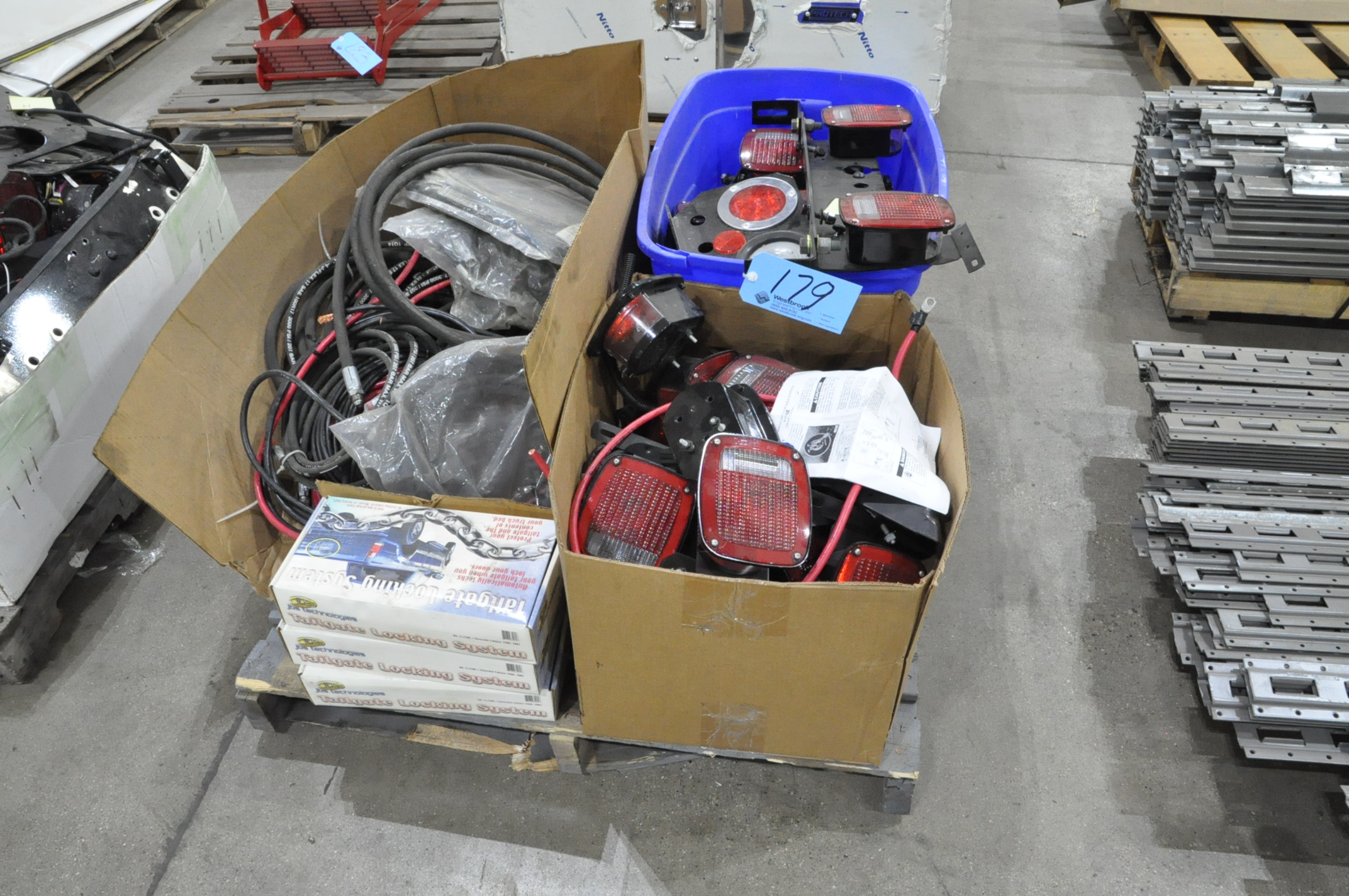 Lot-Vehicle or Trailer Lighting and Wiring on (1) Pallet