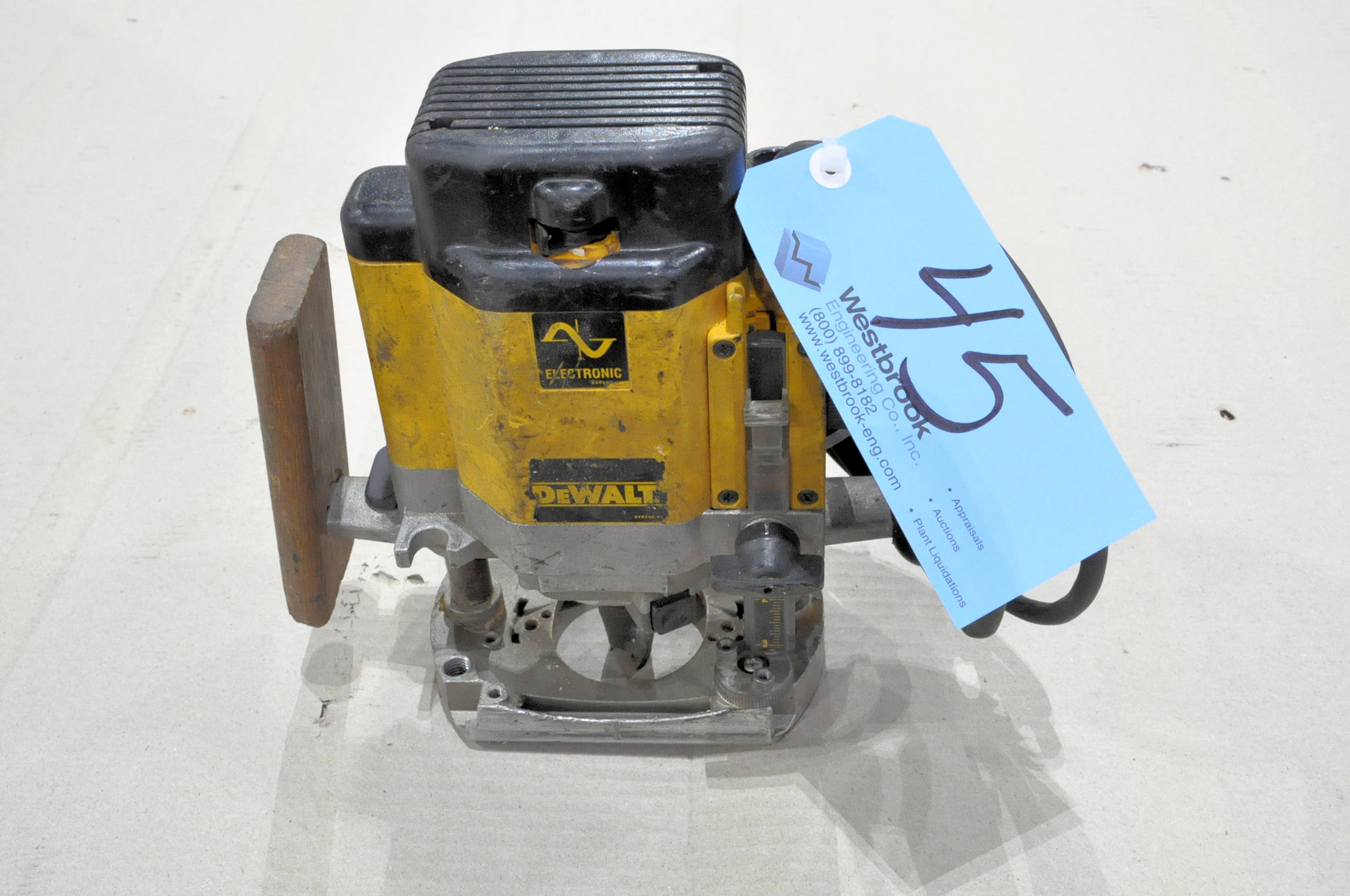 DeWalt Model DW625, 3-HP Router