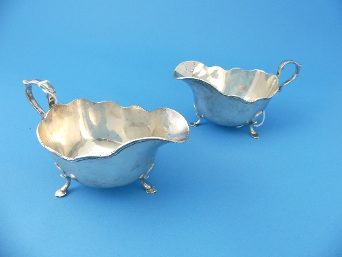A pair of George VI silver Sauce Boats, by Frank Cobb & Co. Ltd., hallmarked Sheffield, 1938, of