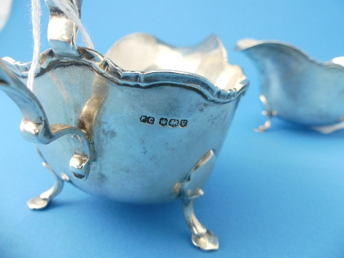A pair of George VI silver Sauce Boats, by Frank Cobb & Co. Ltd., hallmarked Sheffield, 1938, of - Image 2 of 2