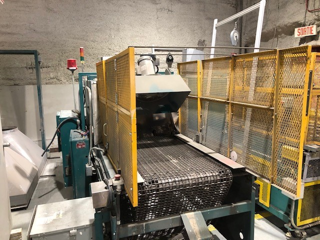 Plastic shrink wrapper applicator and heating tunnel #2 Ideal Equipment, model: 1830, s/n: 1295067 - Image 4 of 4