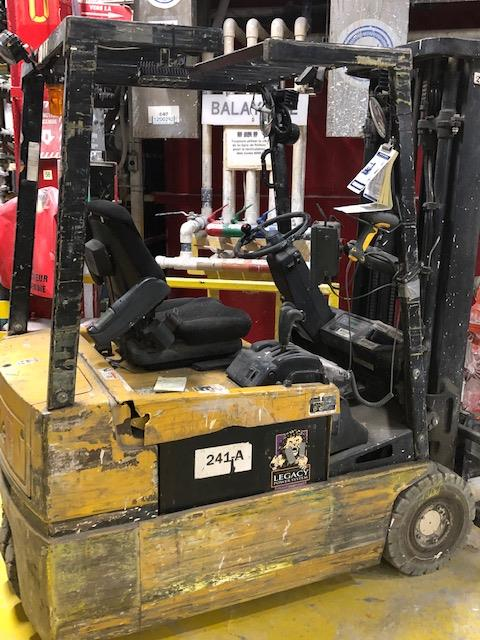 2001, electric forklift Yale, 3,350lbs, 3 stage mast, side shift, 3 wheels, Model: