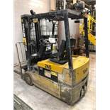 2000, electric forklift Yale, 3,360lbs, 3 stage mast, side shift, 3 wheels, Model: