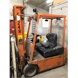 2002, electric forklift Toyota, 2,900lbs, 3 stage mast, side shift, 3 wheels, Model: 2FBE15, s/n: