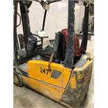 2007, electric forklift Jungheinrich, 3,730lbs, 3 stage mast, side shift, 3 wheels, Model: EFG220,