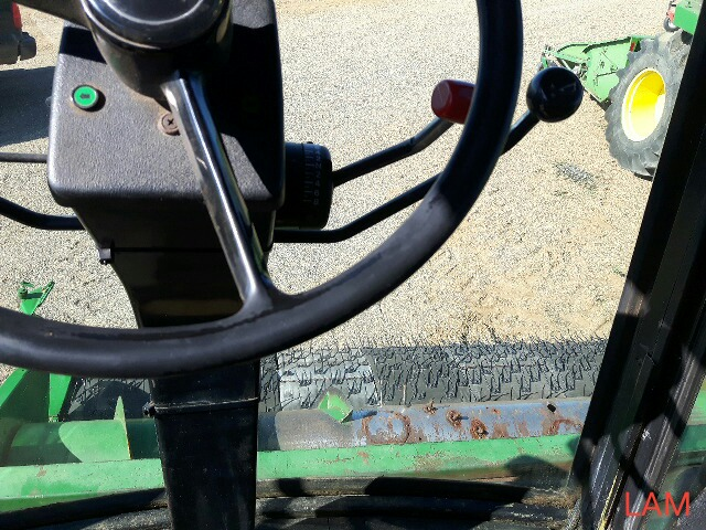 8820 JD Combine Hydrostatic Drive, 3315hrs, c/w New Headliner and padding, to arrive beginning of - Image 14 of 14