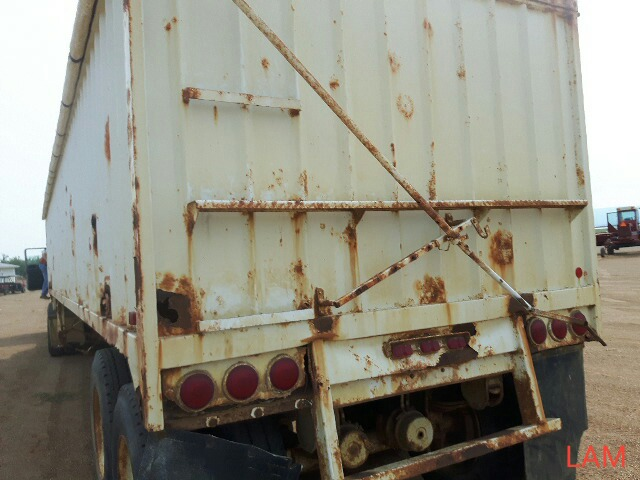 1981 Lode T/A Grain Trailer sn HGT380681K123 Lot # ,& Selling on choice - Image 5 of 9