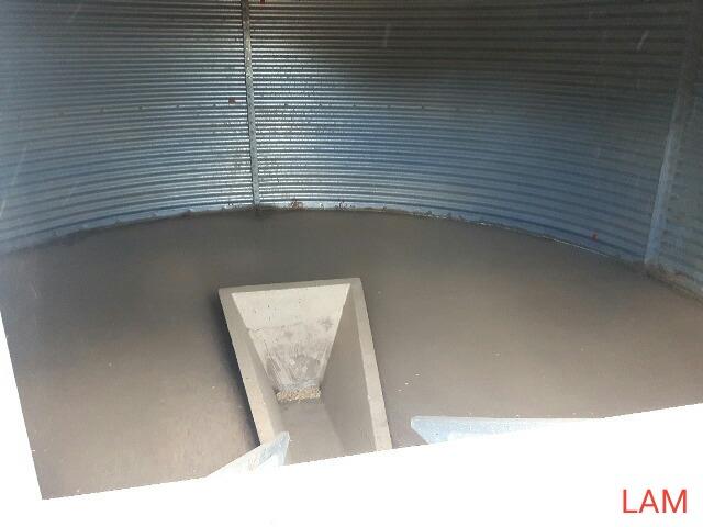 Lot 37 - Westeel Rosco 14ft x 6 Ring 2000bu Grain Bin Hopper in Floor