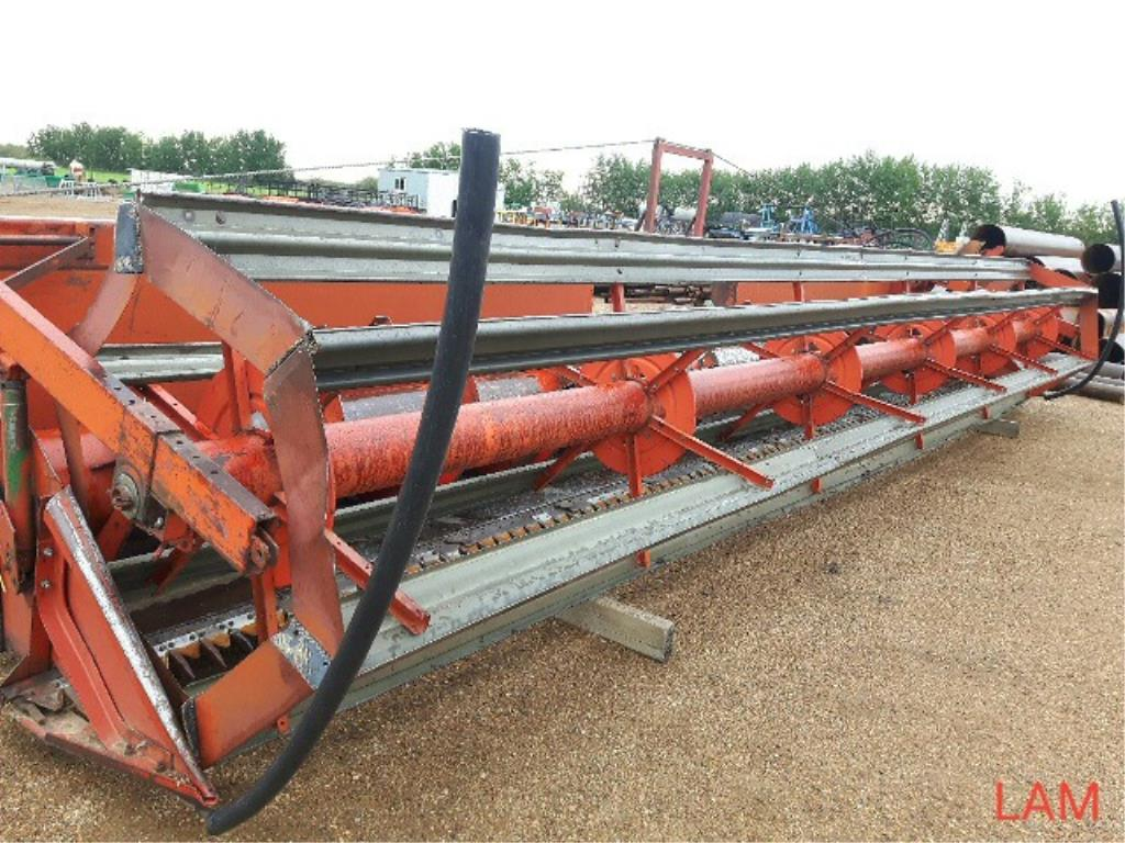 22 FT Str Cut Header to fit 8900 White Combine