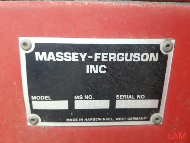 Lot 22 - 25 FT Massey Ferguson Straight Cut Header w/Pickup Reel, to fit 8460 Massey Ferguson Combine