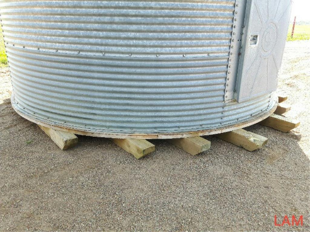 Lot 34 - 2000bu 14FT x 6-Ring Westeel Rosco Grain Bin New Floors, & Aeration