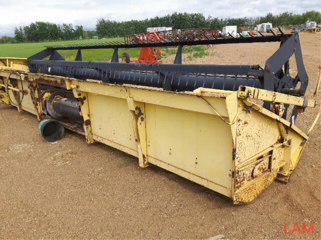 Lot 25 - 960 New Holland 20 ft Straight Cut Header Pickup Reel, Crop Lifters sn 356928