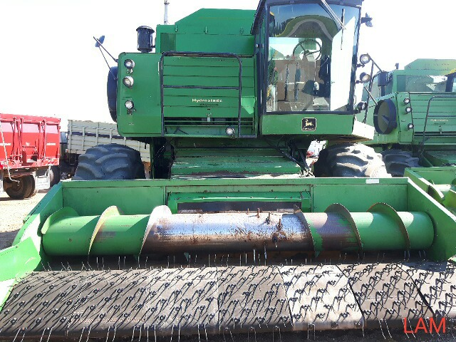 8820 JD Combine Hydrostatic Drive, 3315hrs, c/w New Headliner and padding, to arrive beginning of - Image 2 of 14