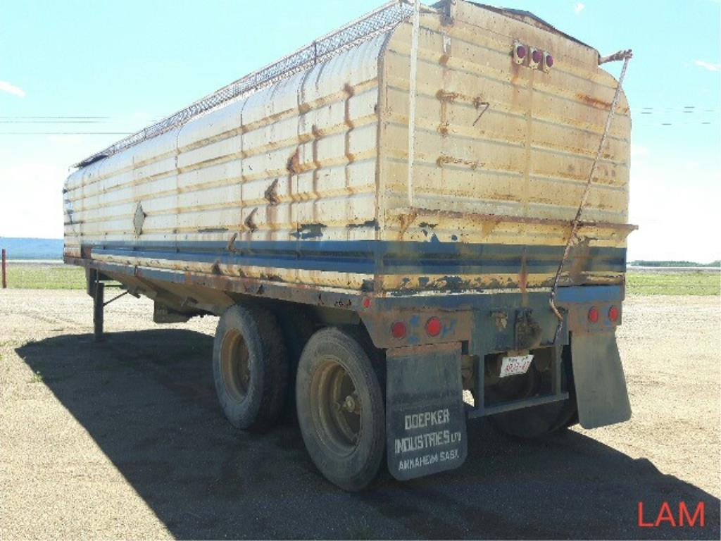 Lot 31 - 1985 Doepker T/A Grain Trailer VIN 2D9GBRZ26F1016943 Lot # ,& Selling on choice