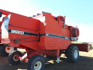 Lot 15 - 8920 White Combine c/w 913 P/U Header, 3458 hrs, 920 Str Cut Header to fit sells later as Lot # 22