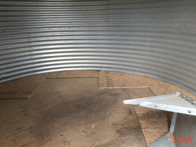 Lot 50 - Bin E6 2000 bu 14 FT x 4-Ring Butler Grain Bin Bin Located in Keg River, for more info contact Ernie