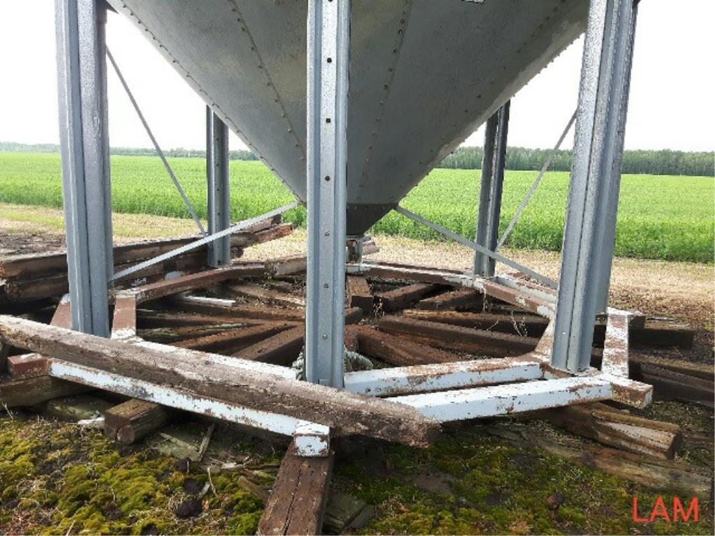 Lot 46 - Bin E2 1800 bu 14 FT x 5-Ring Westeel Rosco Hoppen c/w Steel Skid, Temp Cable & Ladder Bin Located