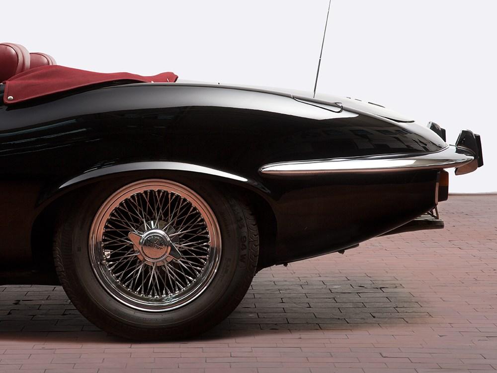 case 4 jaguar or bluebird part b Red 1954 jaguar basket case, missing pedals rocket ray light & spokes has s-2 hoops $47500 now $35000 frame & fork $13500 chain guard $6500 bars $.