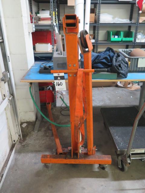 Lot 160 - Hydraulic Engine Hoist