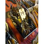 LOT: Assorted Pliers