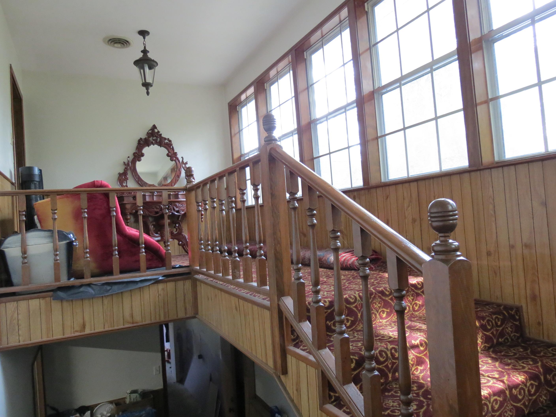 Custom Home in Dickinson, TX - Image 9 of 40