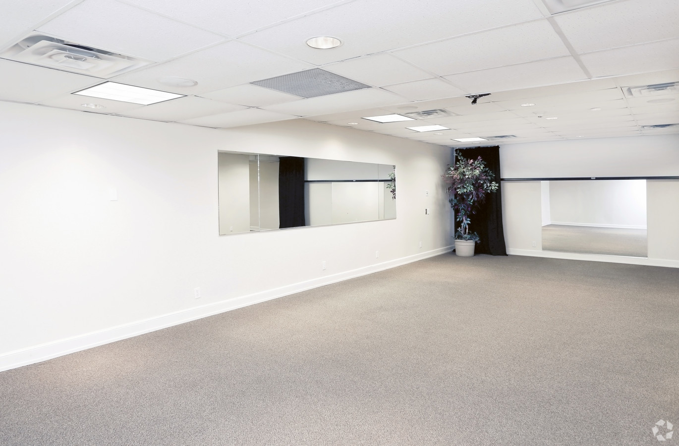 Medical Office Suite in Dallas - Suite 200 - Image 2 of 20