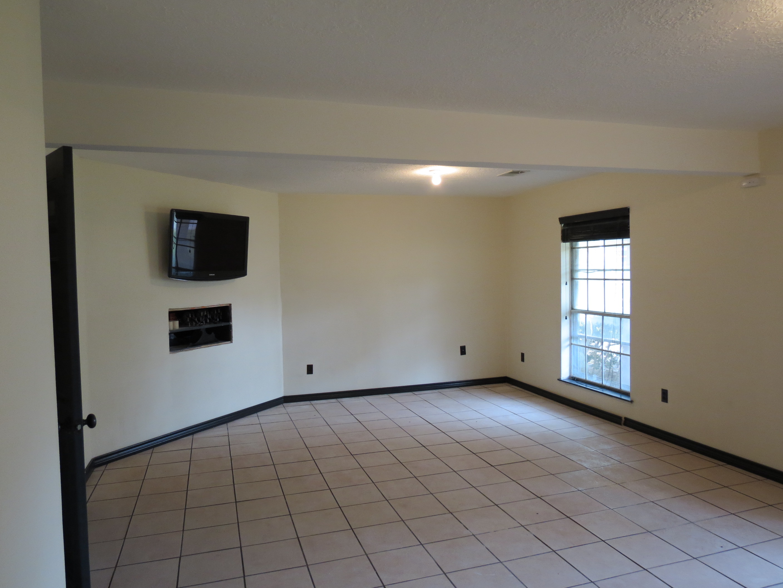 Custom Home in Dickinson, TX - Image 26 of 40