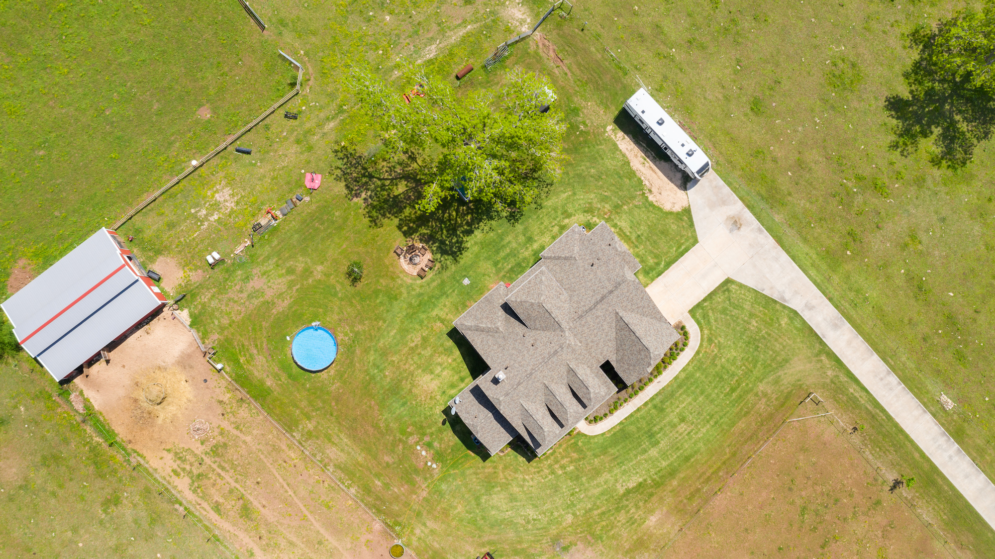 Custom Country Home with Acreage in Sealy - Image 6 of 46