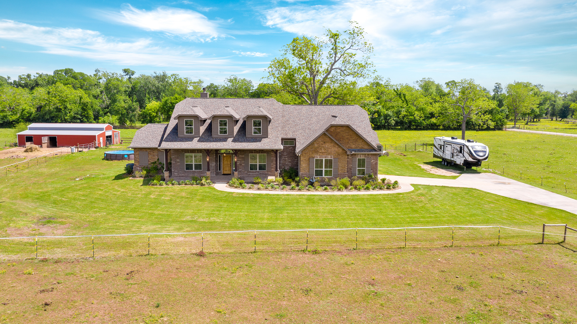 Custom Country Home with Acreage in Sealy - Image 10 of 46