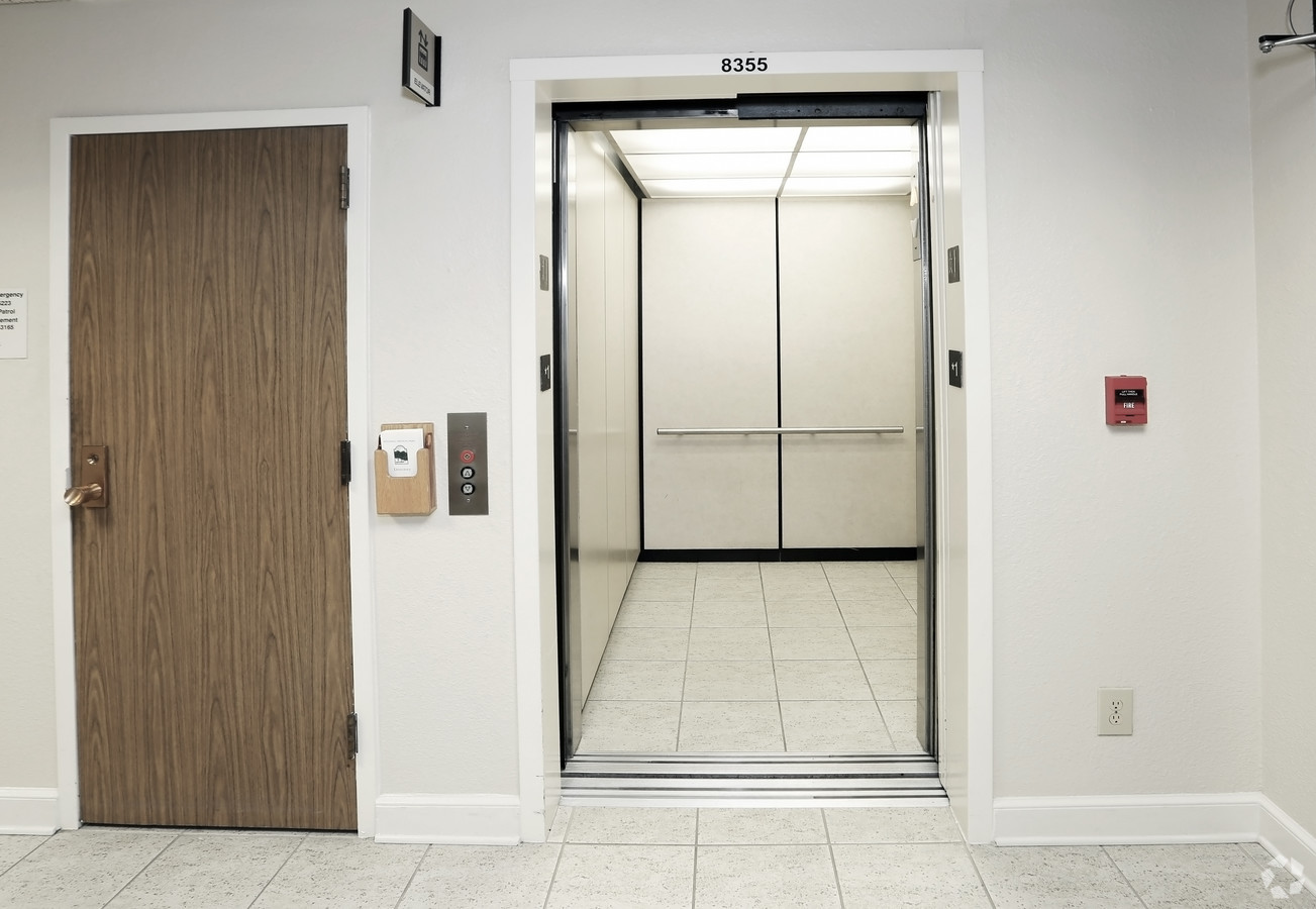 Medical Office Suite in Dallas - Suite 225A - Image 8 of 22