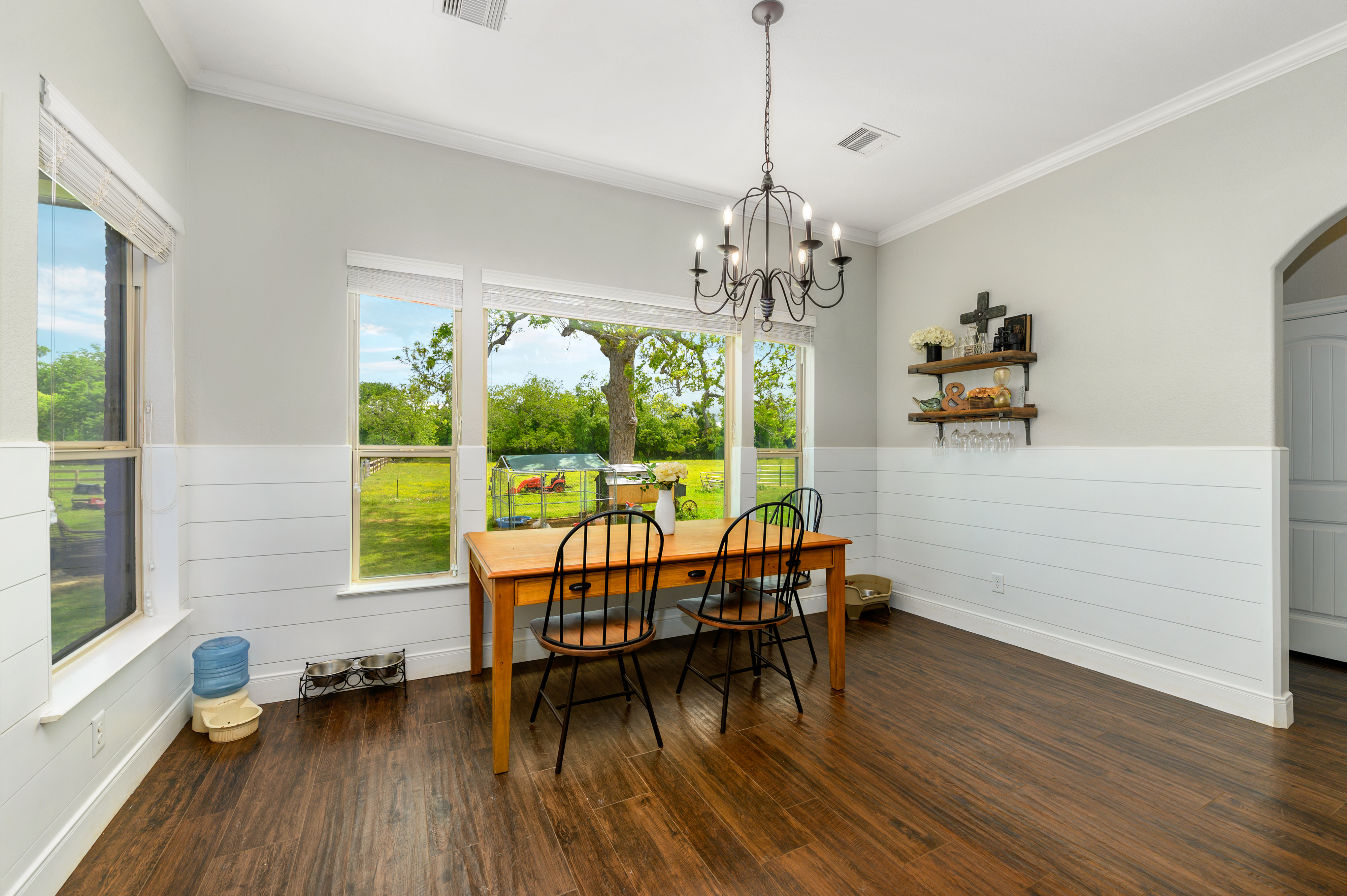 Custom Country Home with Acreage in Sealy - Image 24 of 46