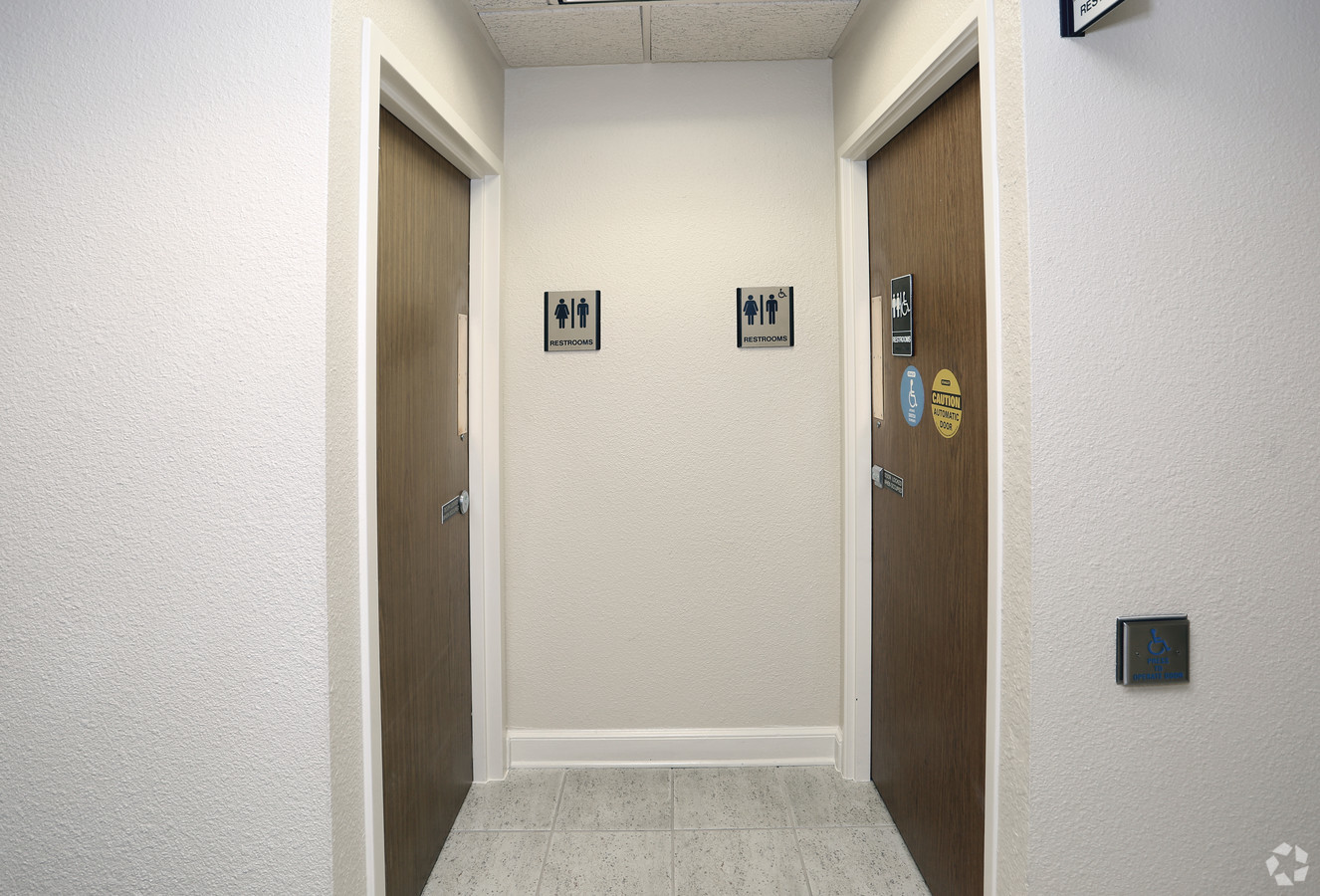 Medical Office Suite in Dallas - Suite 225A - Image 9 of 22