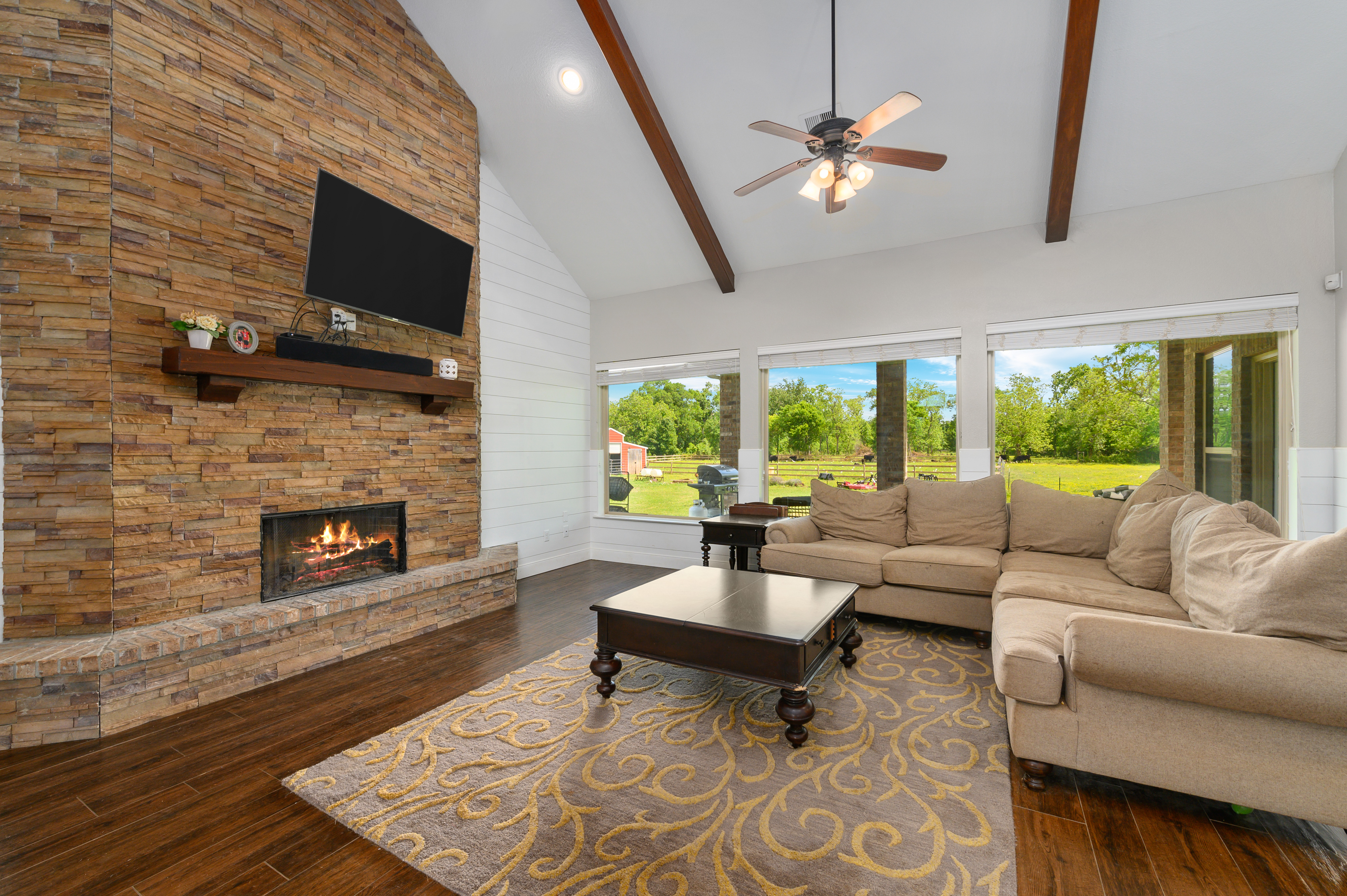Custom Country Home with Acreage in Sealy - Image 19 of 46