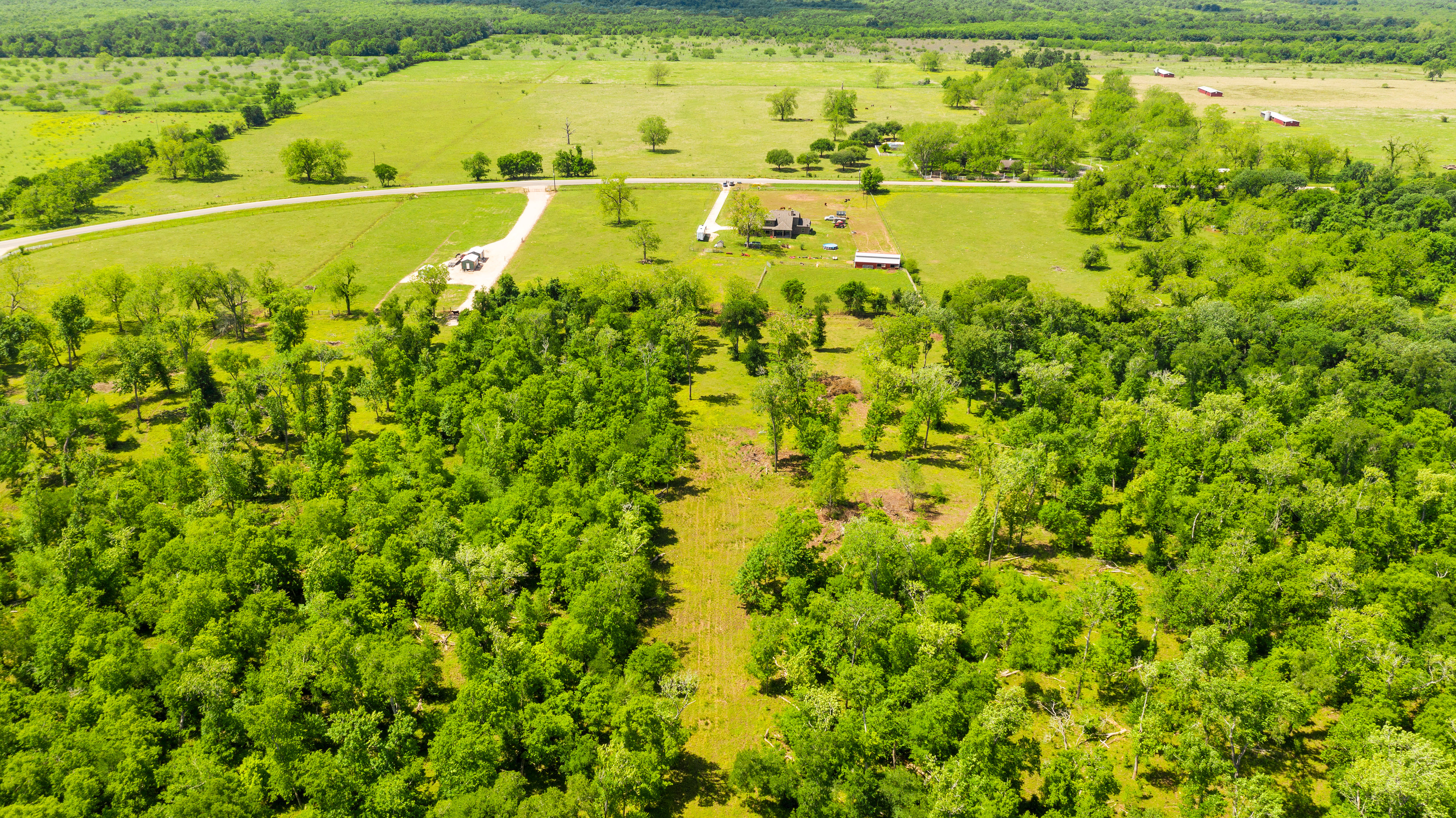 Custom Country Home with Acreage in Sealy - Image 9 of 46