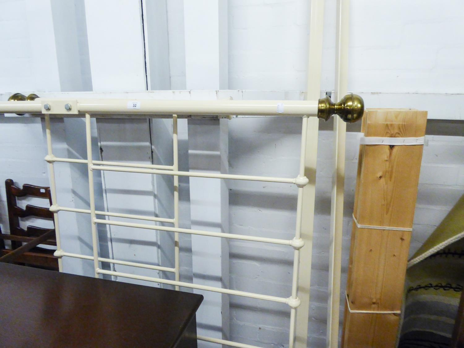 Lot 32 - MODERN METAL FRAME DOUBLE BED WITH SLATS