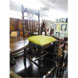 A SET OF FOUR OAK EARLY/MID TWENTIETH CENTURY DINING CHAIRS WITH FOUR BACK SPLATS, OVER PAD SEATS (