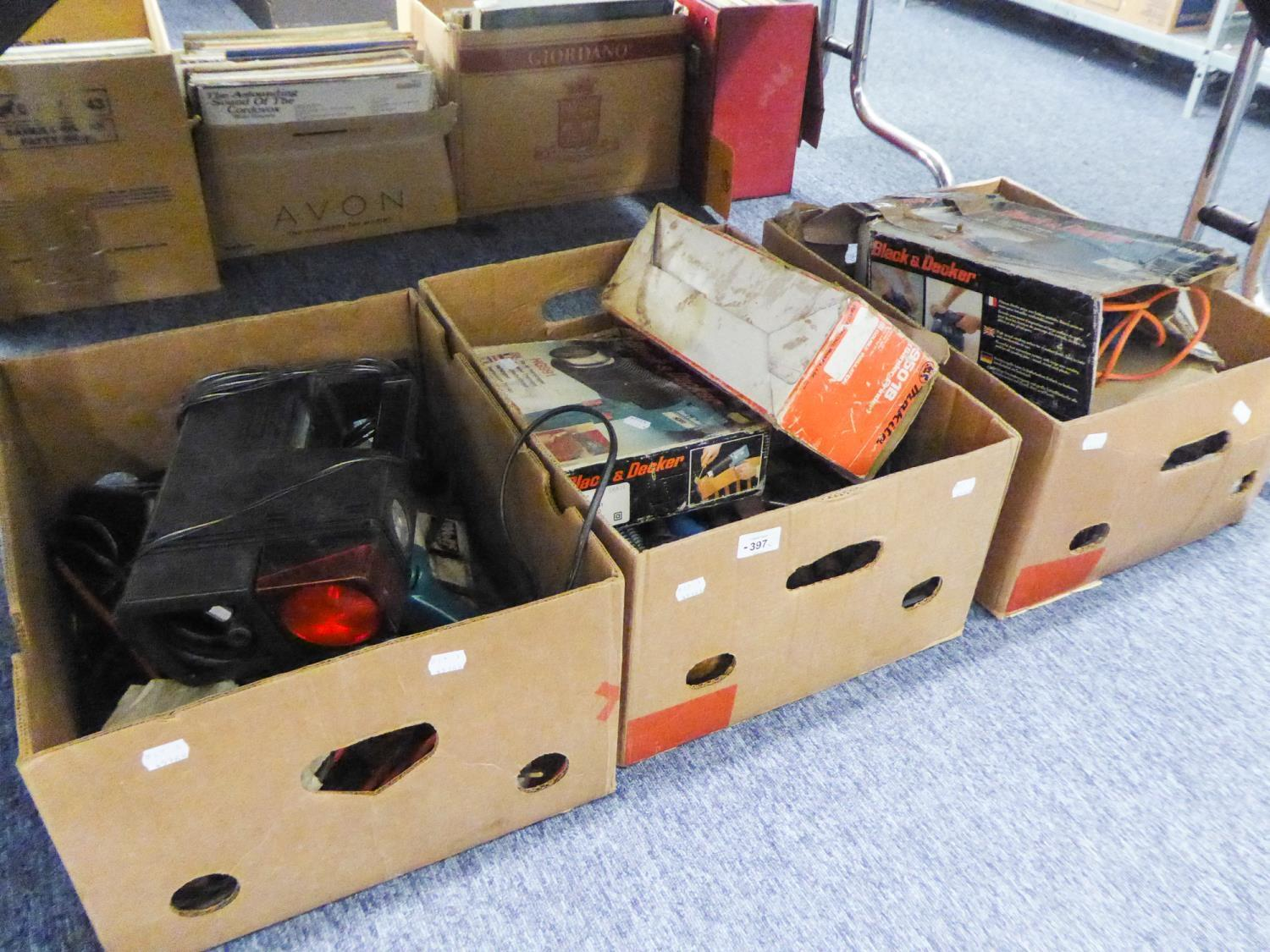 Lot 397 - A QUANTITY OF HAND TOOLS AND ELECTRIC TOOLS VARIOUS TO INCLUDE; BLACK AND DECKER PAINT STRIPPER,