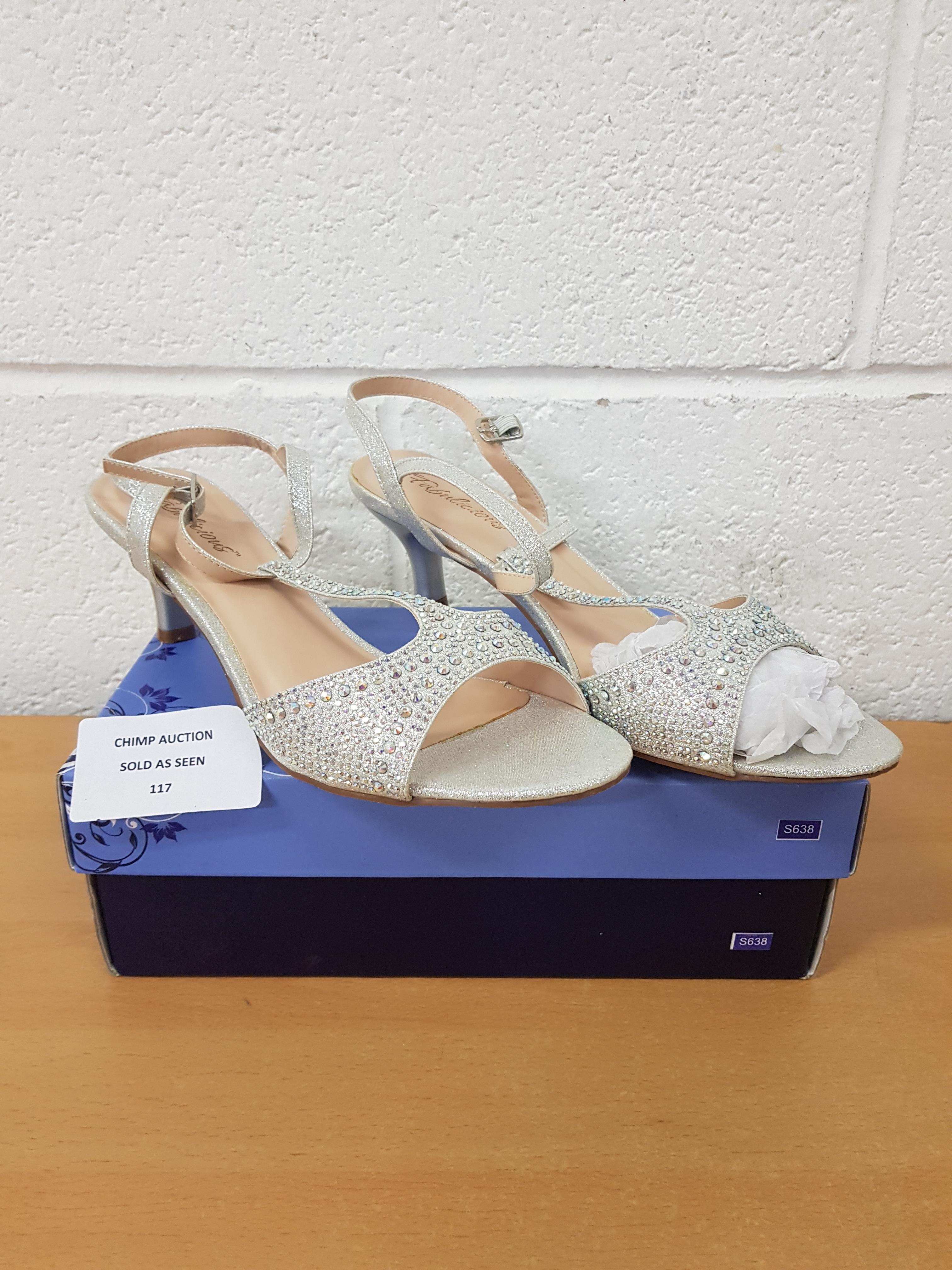 Lot 117 - Fabulicious ladies shoes UK 8