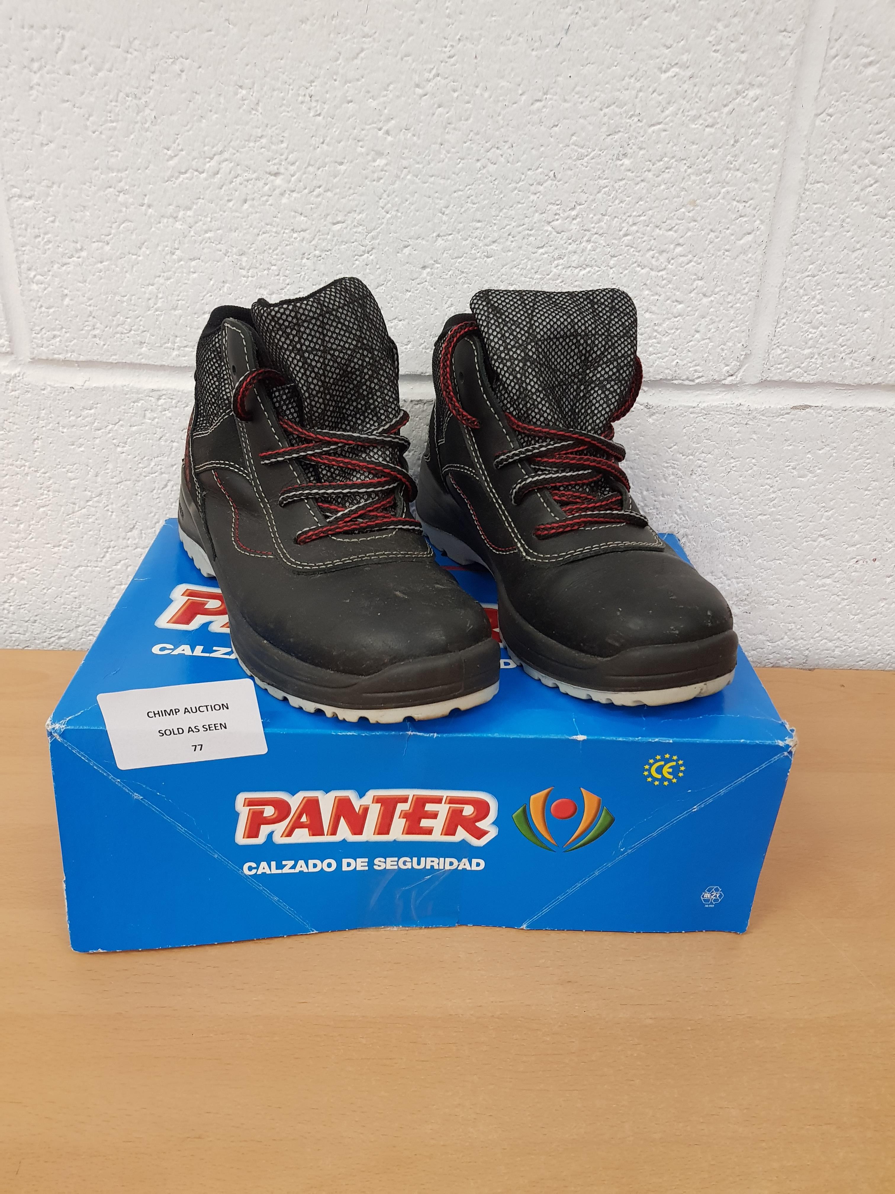 Lot 77 - Panter kids shoes EU 38