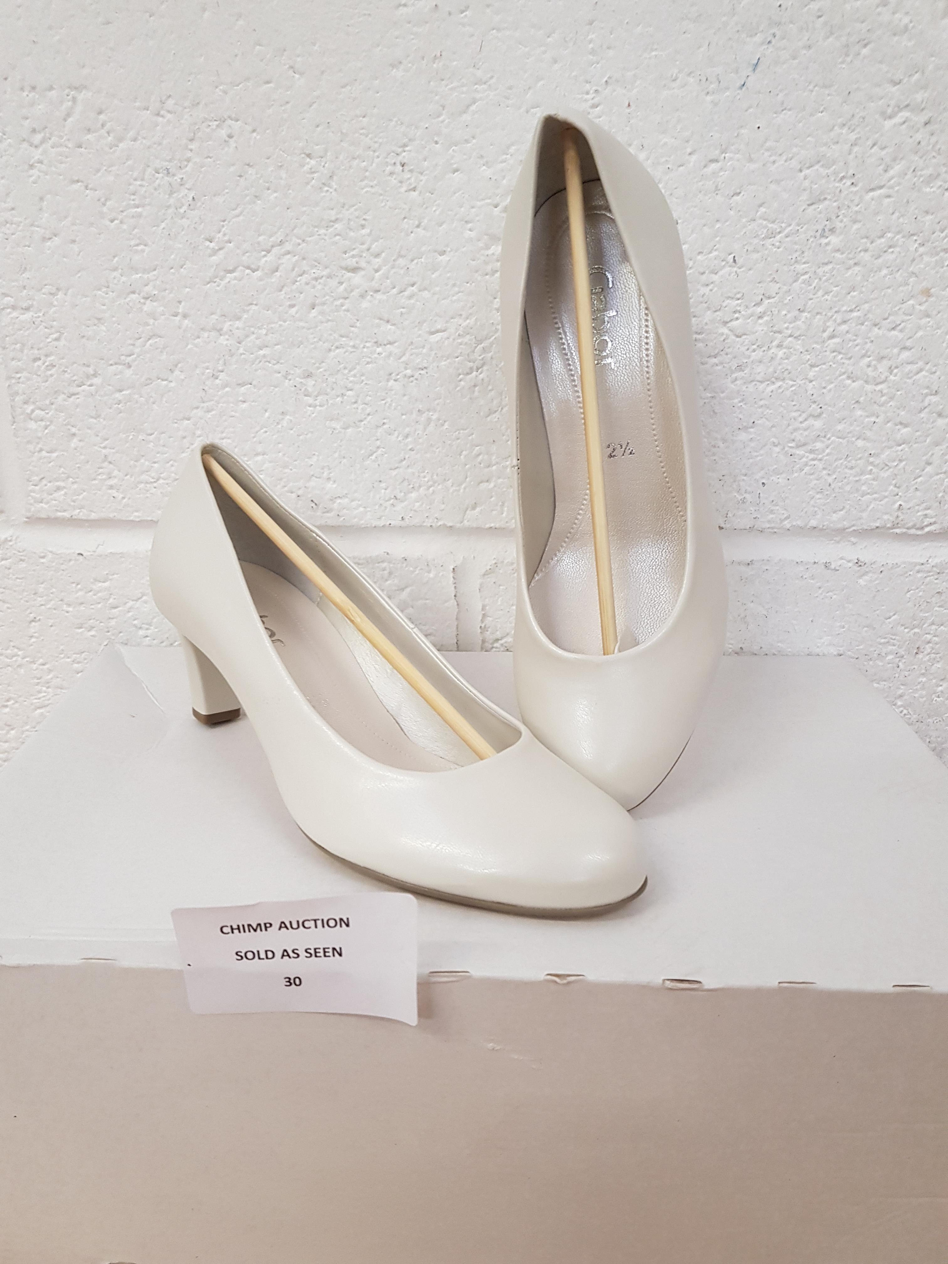 Lot 30 - Gabor Ladies shoes UK 2.5
