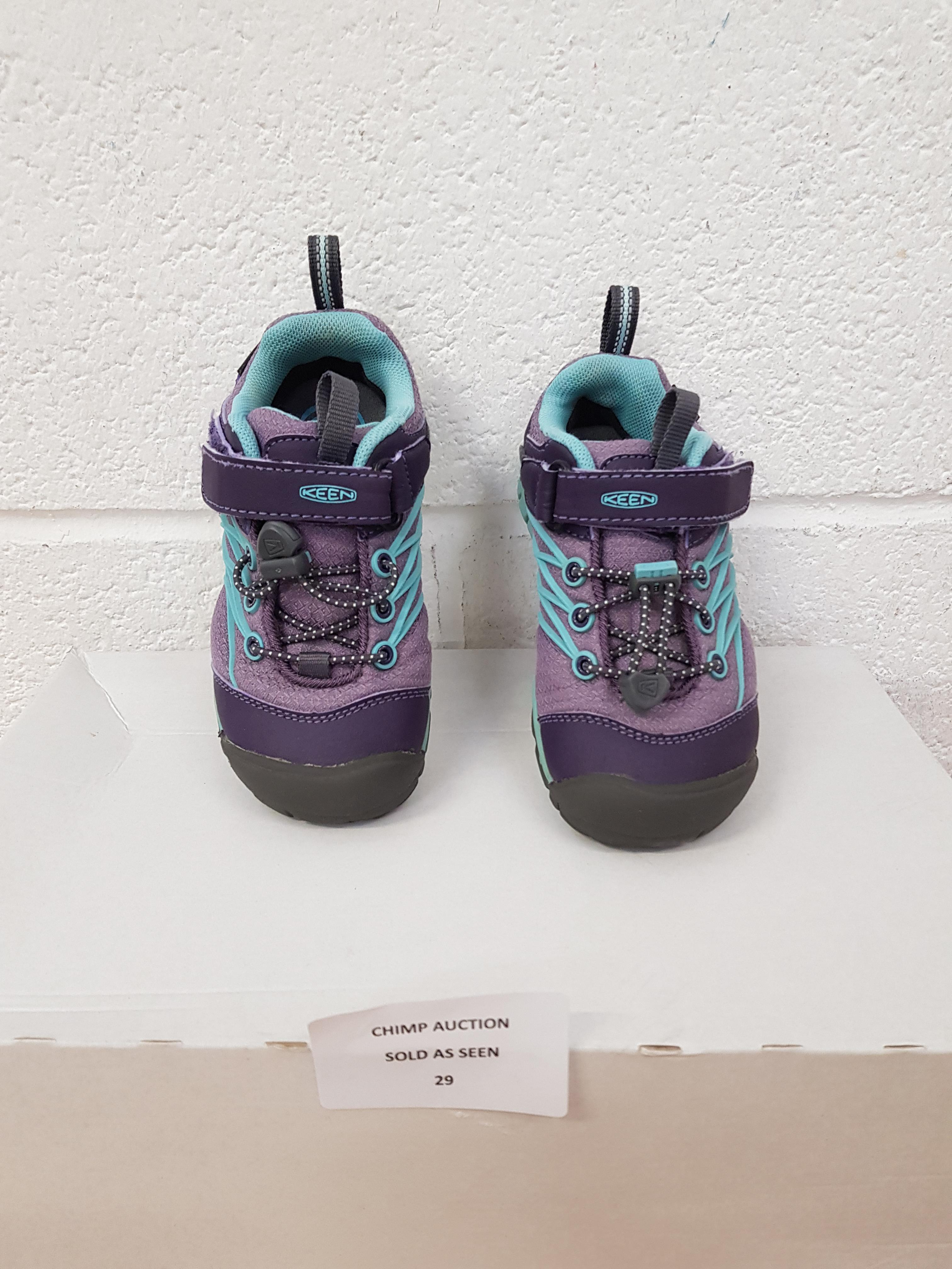 Lot 29 - Keen Kids shoes UK 10