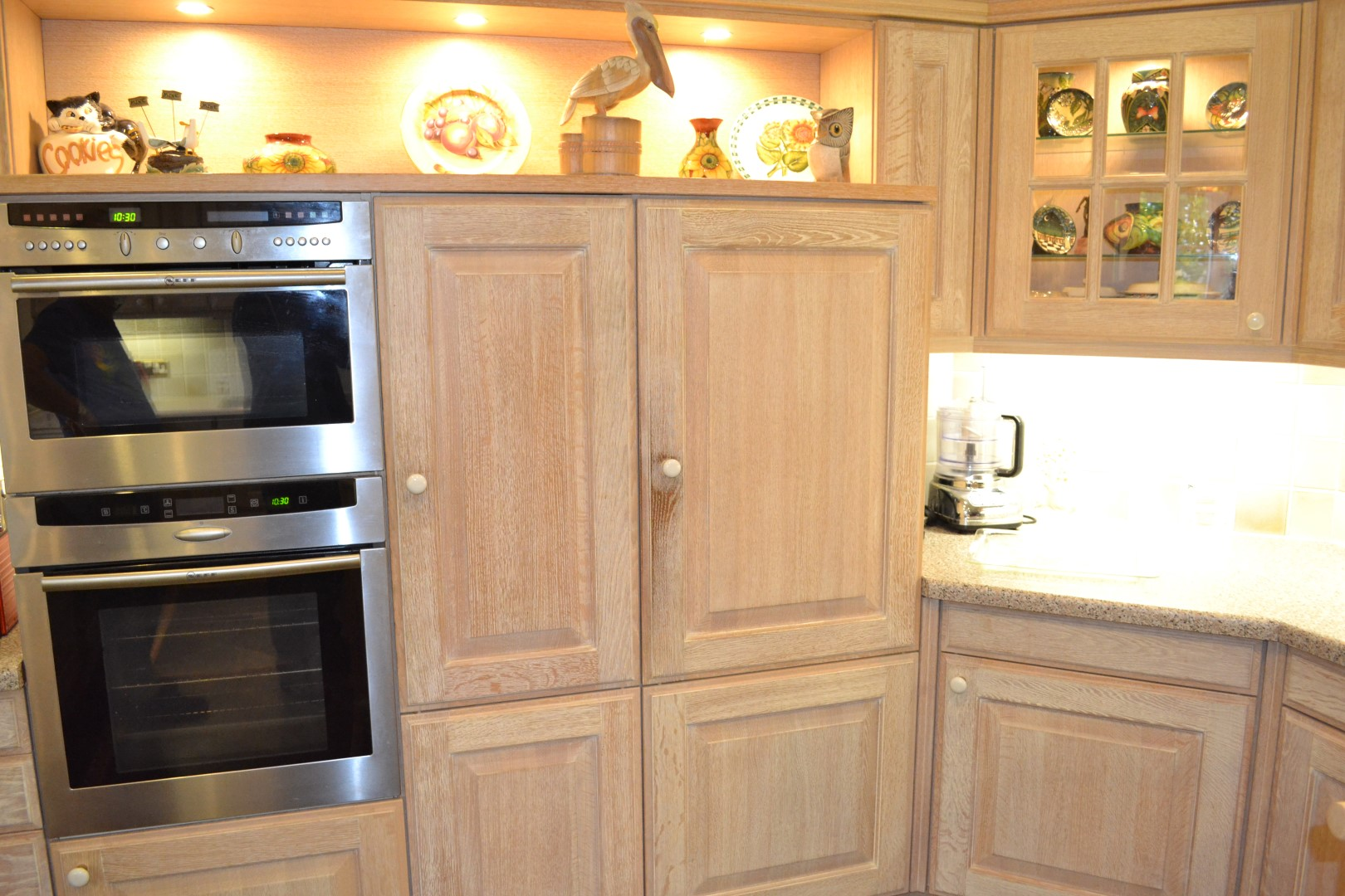 1 x siematic bespoke solid wood limed oak fitted kitchen for Wooden fitted kitchen